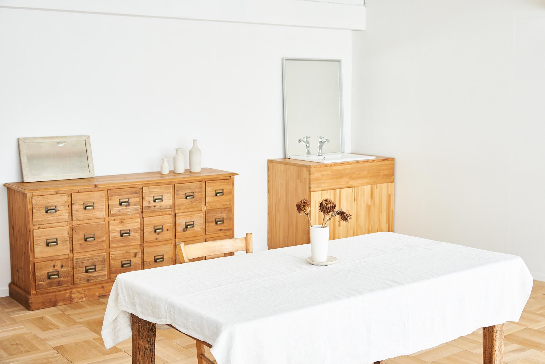 STUDIO iiwi 西麻布 (スタジオ イーヴィ)椅子2