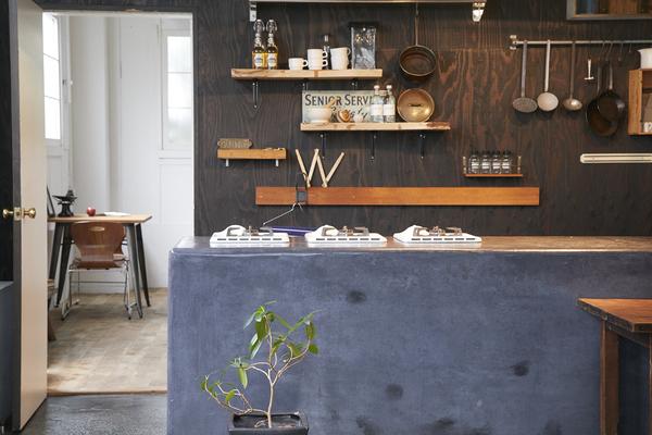 STUDIO iiwi 学芸大学 (スタジオ イーヴィ)椅子