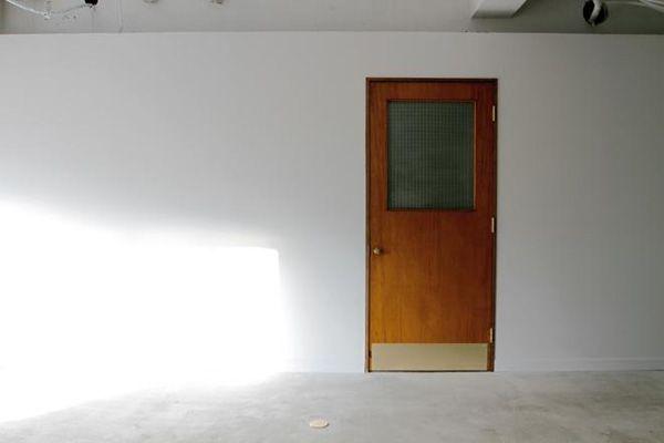 LEBEN SHARE HOUSE (レーベンシェアハウス)アンティークドア