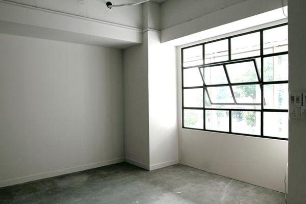 LEBEN SHARE HOUSE (レーベンシェアハウス)鉄格子の窓