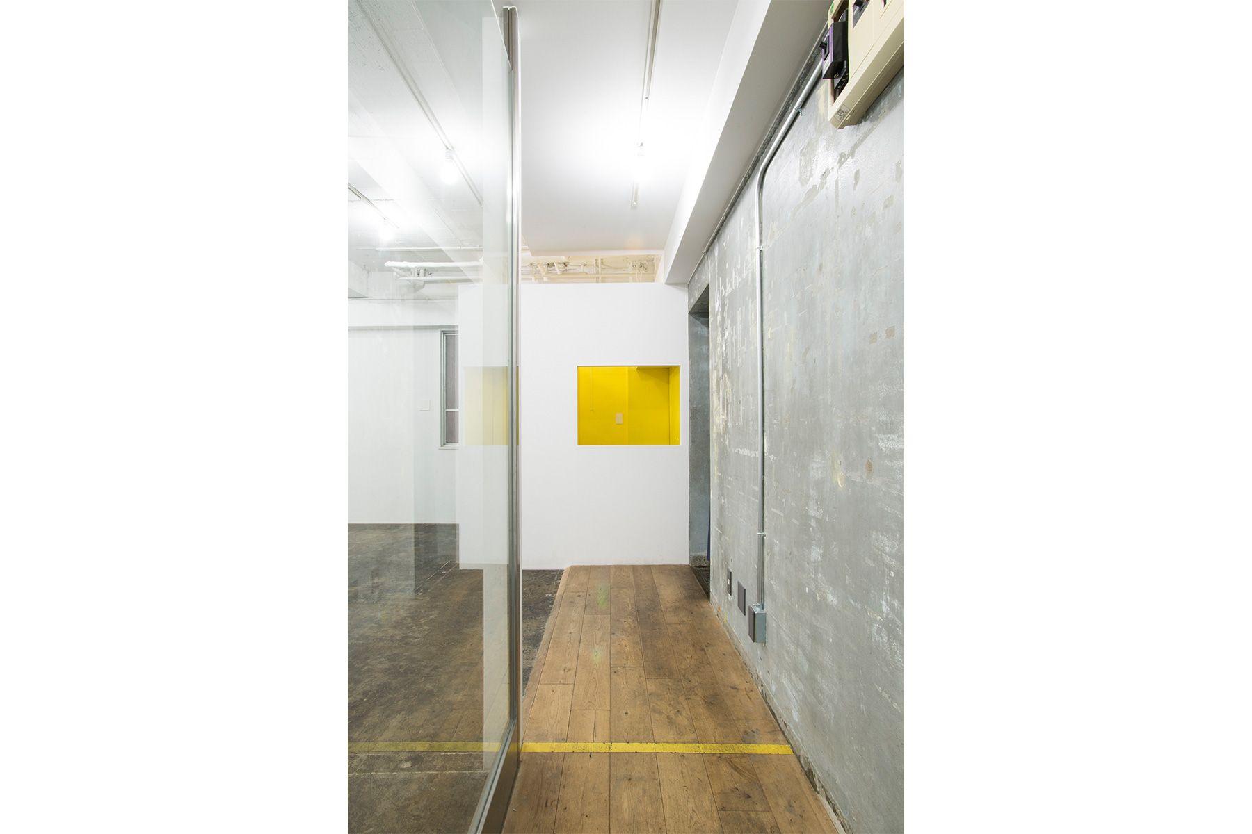 GOSARO EBISU(ゴサロ エビス)廊下(室内側から)