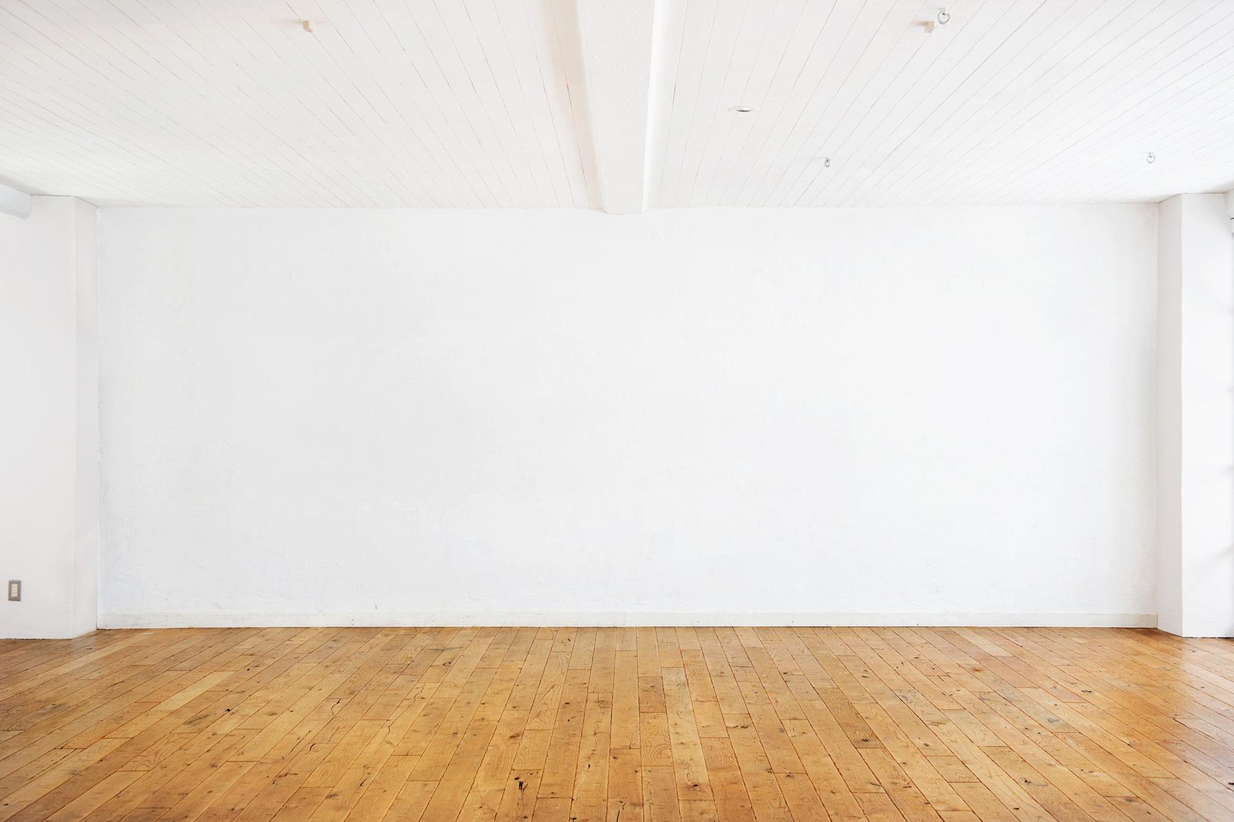 StudioBRICK 3F (スタジオブリック八丁堀3F)漆喰の壁