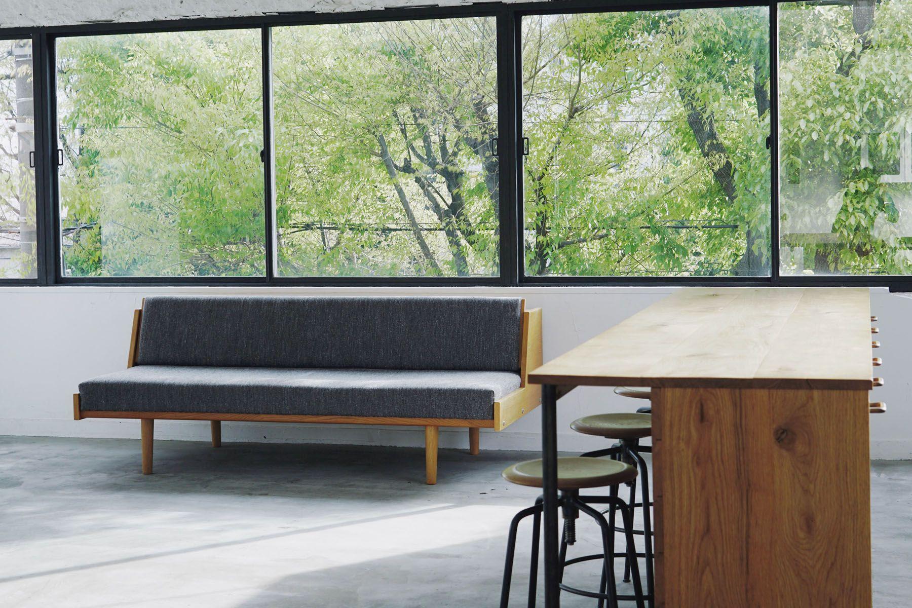 Tree&Suns Studio (ツリー&サンズ スタジオ)緑の見える大きな窓