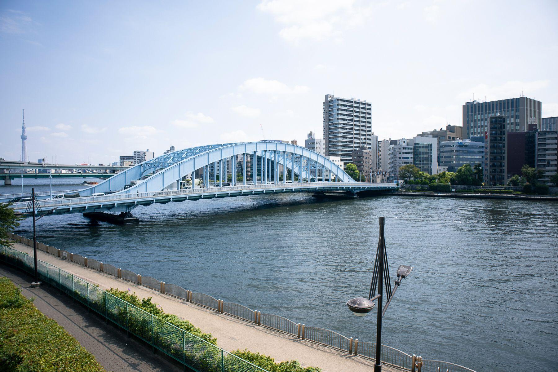 STUDIO FLOD(スタジオフロード)3、4Fスタジオ窓からの風景は隅田川