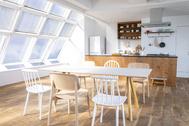 STUDIO FLOD(スタジオフロード)3、4F:3F/Kitchen たっぷりな自然光