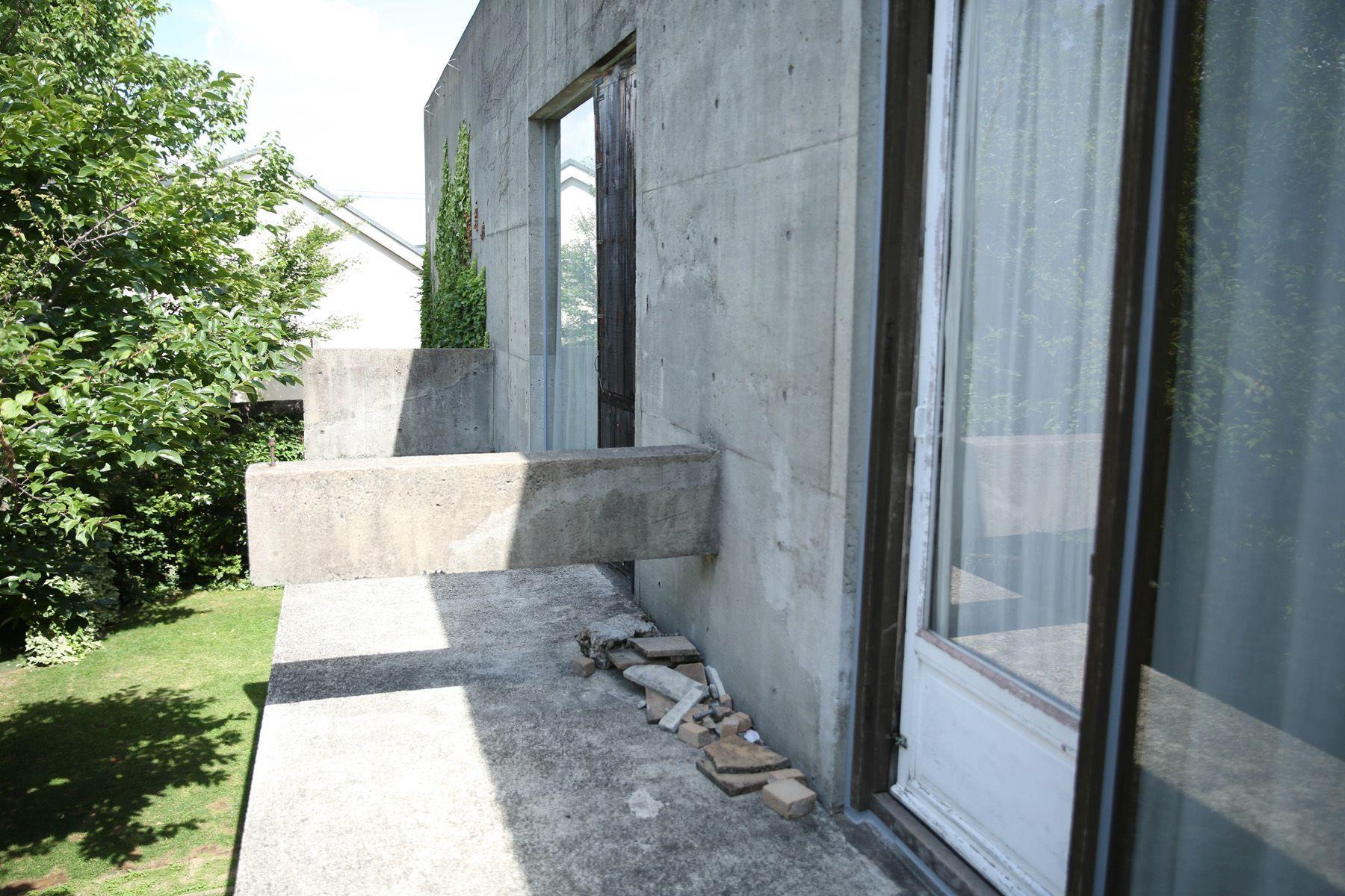 Atelier S 尾山台 (アトリエ エス)2F 南側_白古材壁