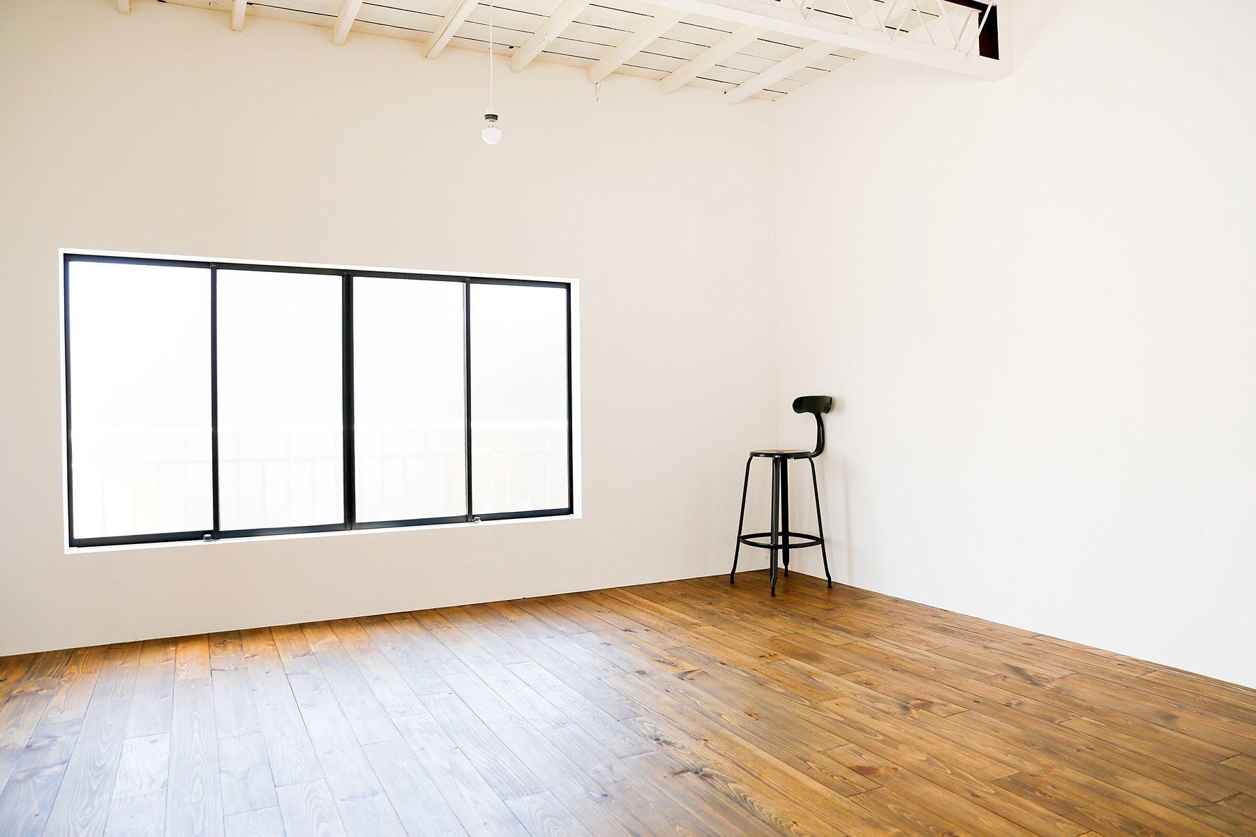 studio PEANUTS (スタジオ ピーナッツ)1F/安定した優しい光が回ります