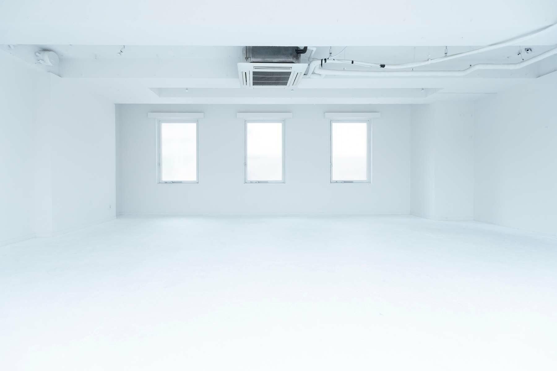 STUDIO FLOD 2F (スタジオフロード2F)white