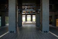 the SOHO studios. (イルニードスタジオマネージメントスペース):中庭