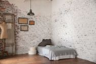 studio Slow (旧LaMOMO) 自由が丘:中央部屋/フローリングとグレー壁