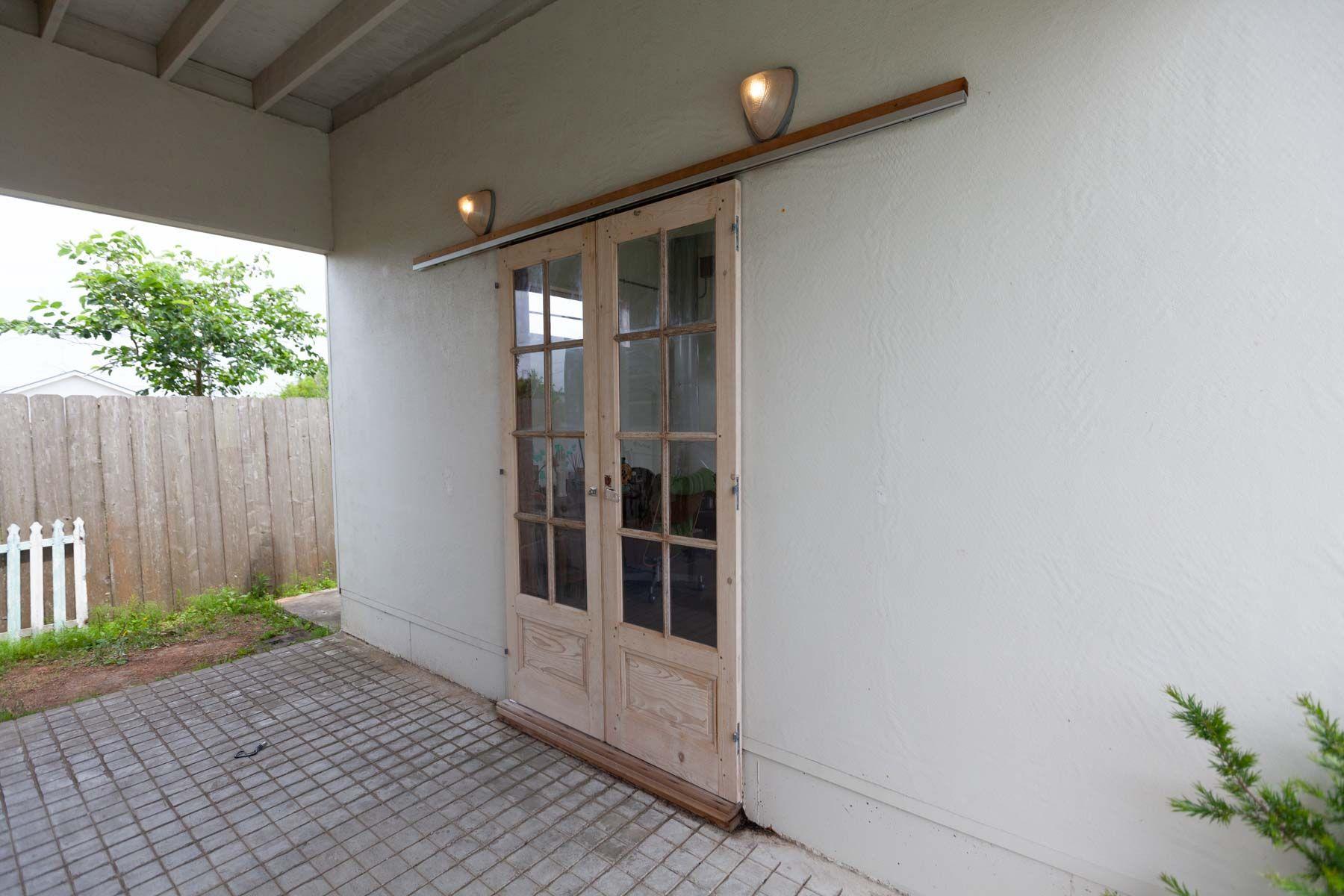 sundowner(サンダウナー)玄関(room1側)