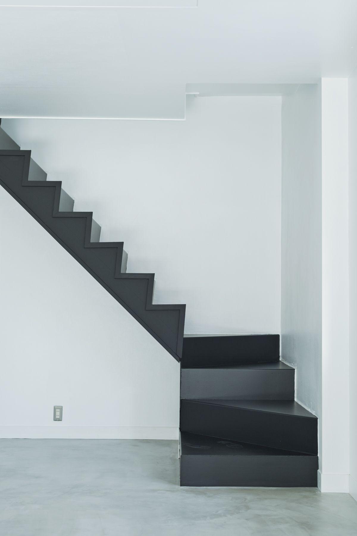 purulico(プルリコ)西麻布階段