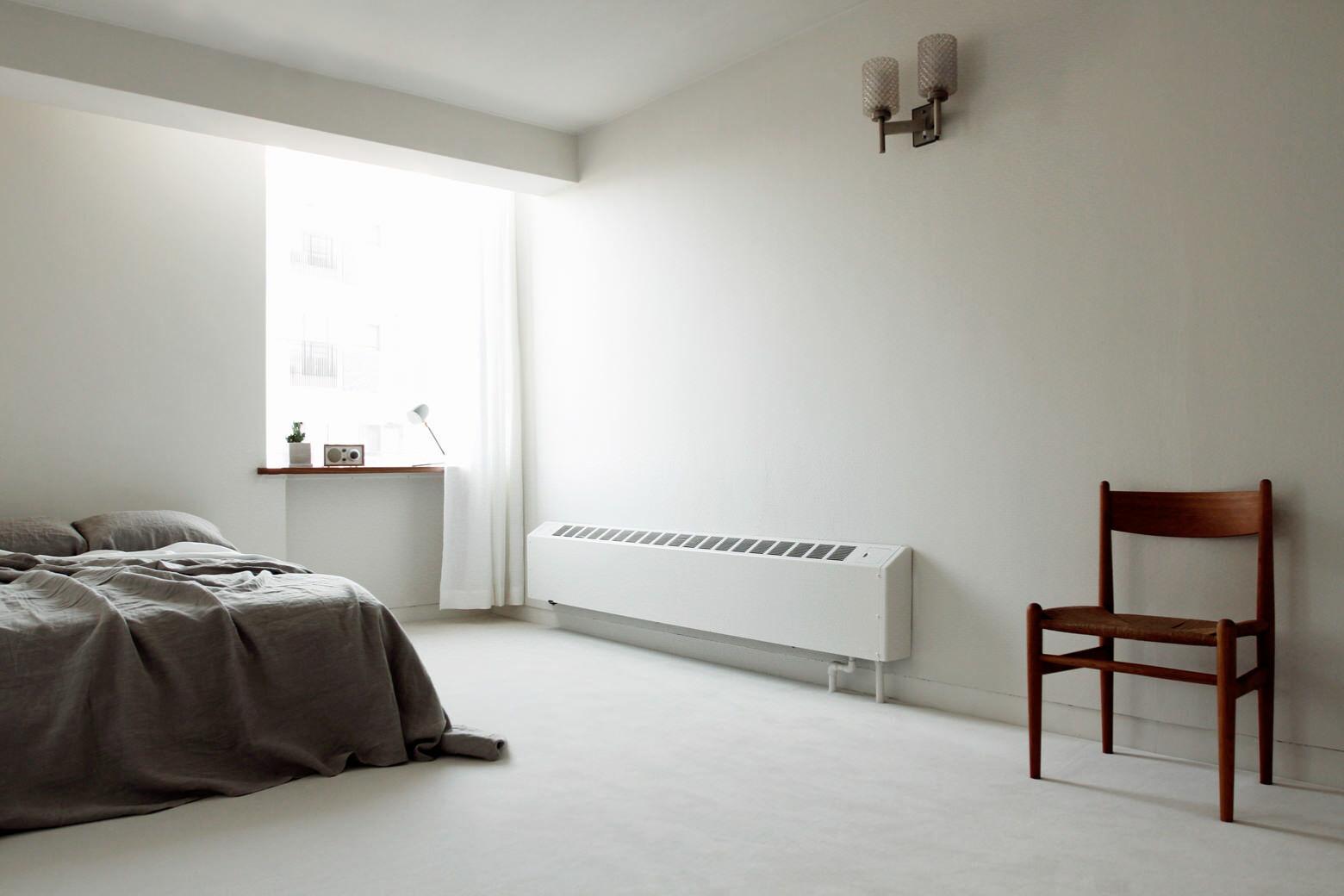 FEM(フェム)柔らかい光が入るベッドルーム