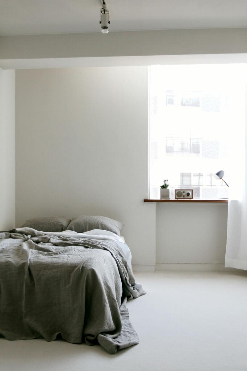 FEM(フェム)シンプルなベッド