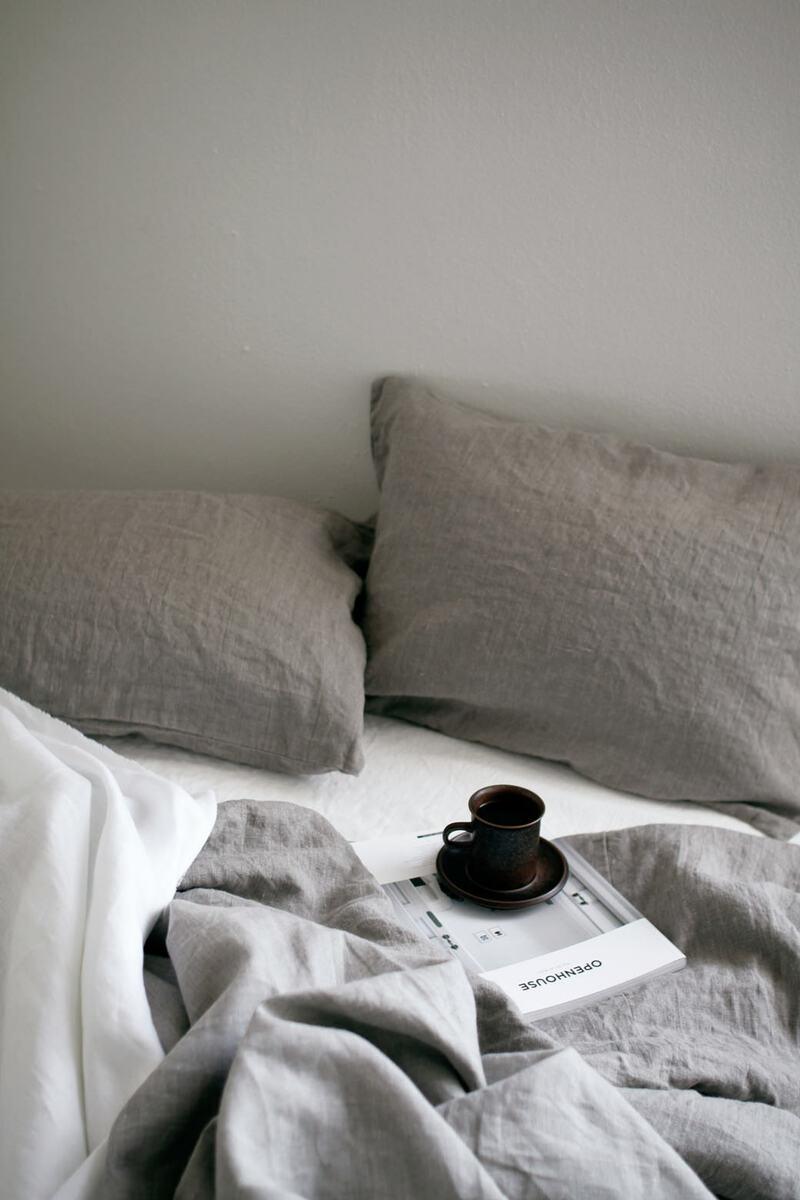 FEM(フェム)リネンのベッドカバー