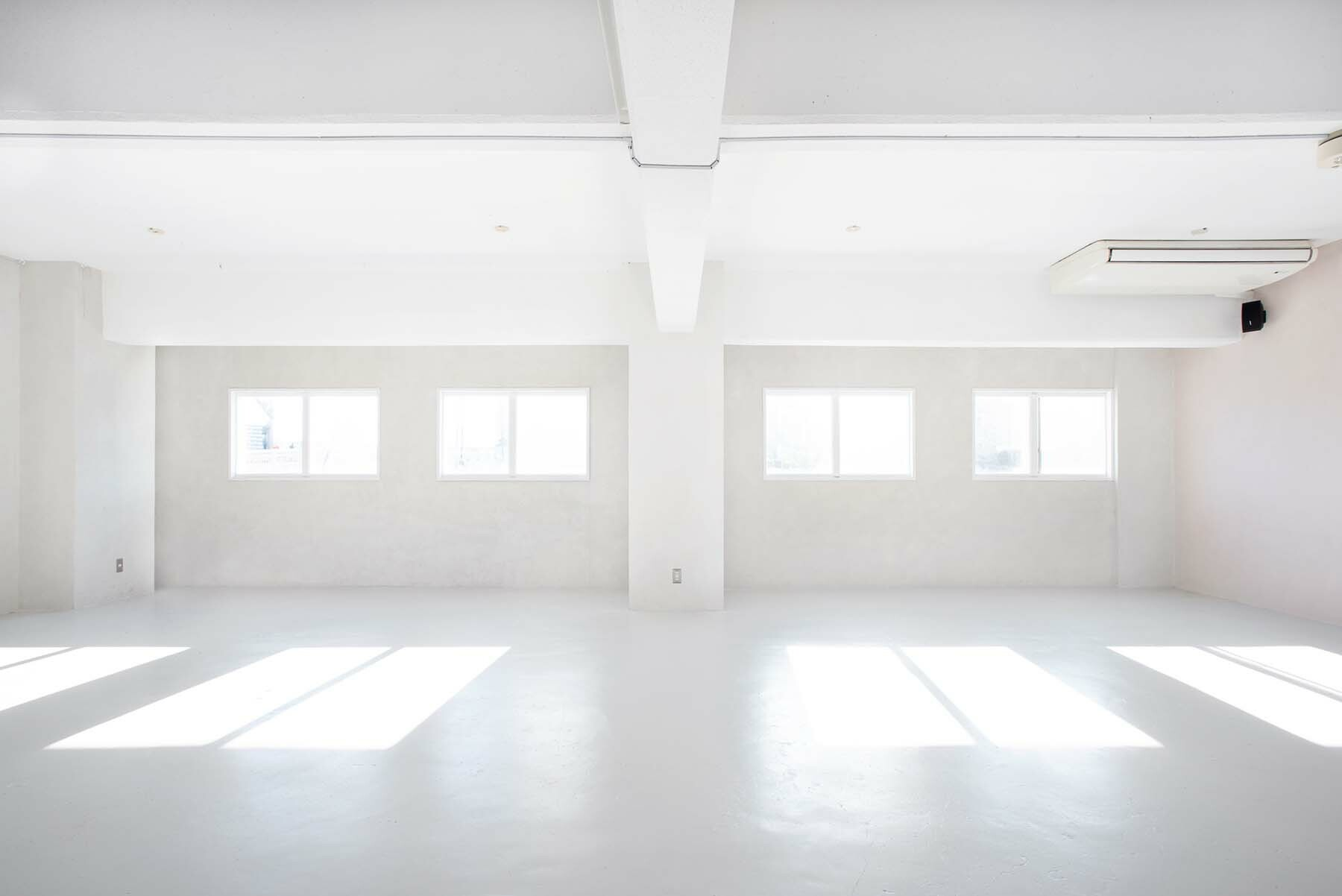 StudioBRICK 2F (スタジオブリック八丁堀2F)本棚