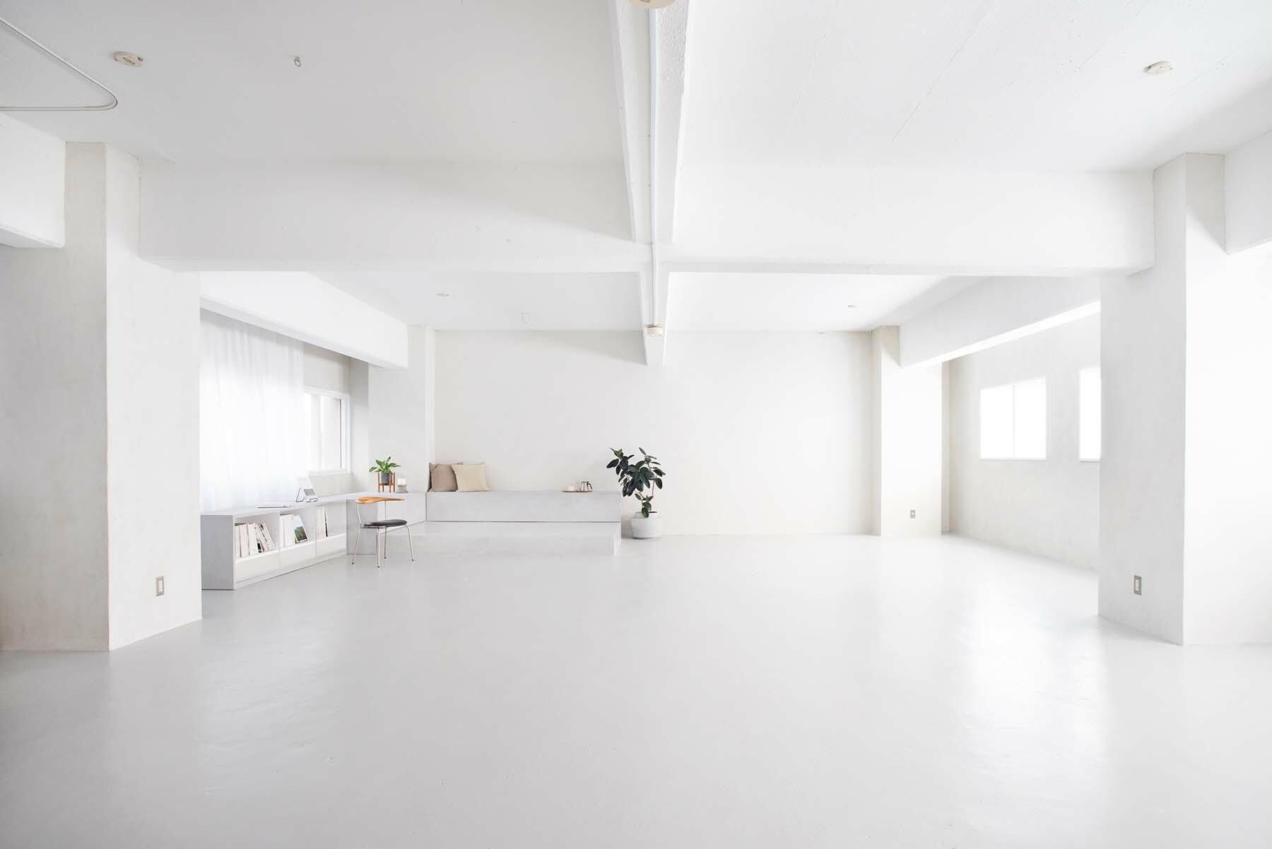 StudioBRICK 2F (スタジオブリック八丁堀2F)黒床のフロア