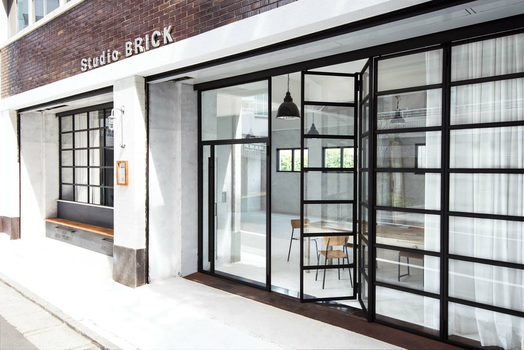 StudioBRICK 1F (スタジオブリック八丁堀1F)扉は開閉可能