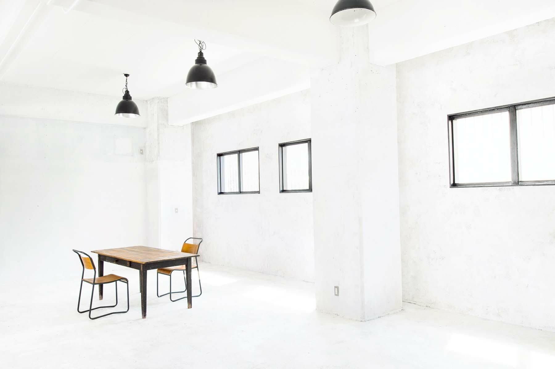 StudioBRICK 1F (スタジオブリック八丁堀1F)白床×漆喰の白壁