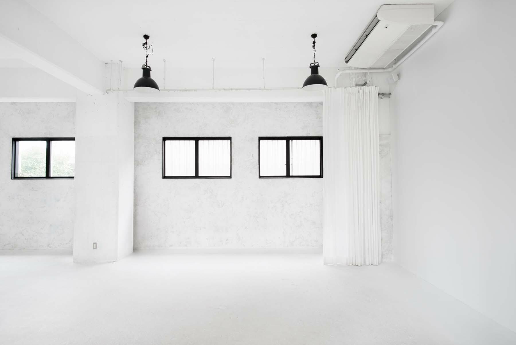 StudioBRICK 1F (スタジオブリック八丁堀1F)カーテンで仕切れます