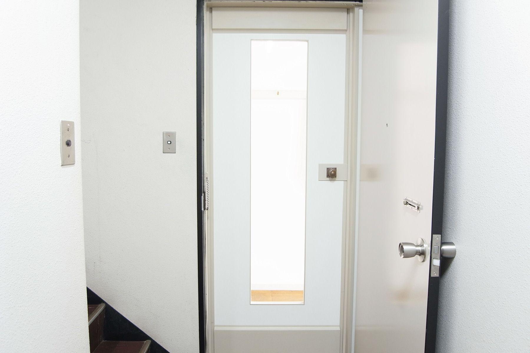 SHOTOHOUSE302 (ショウトウハウス302)エントランスドア