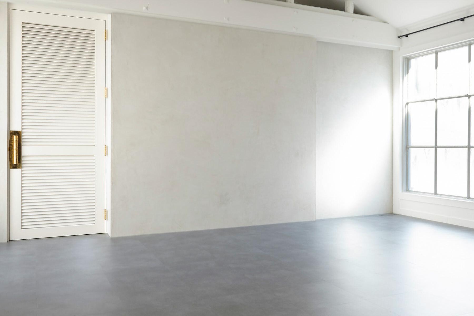 BASE STUDIO HIGASHIYAMA (ベース スタジオ)南東側入口階段