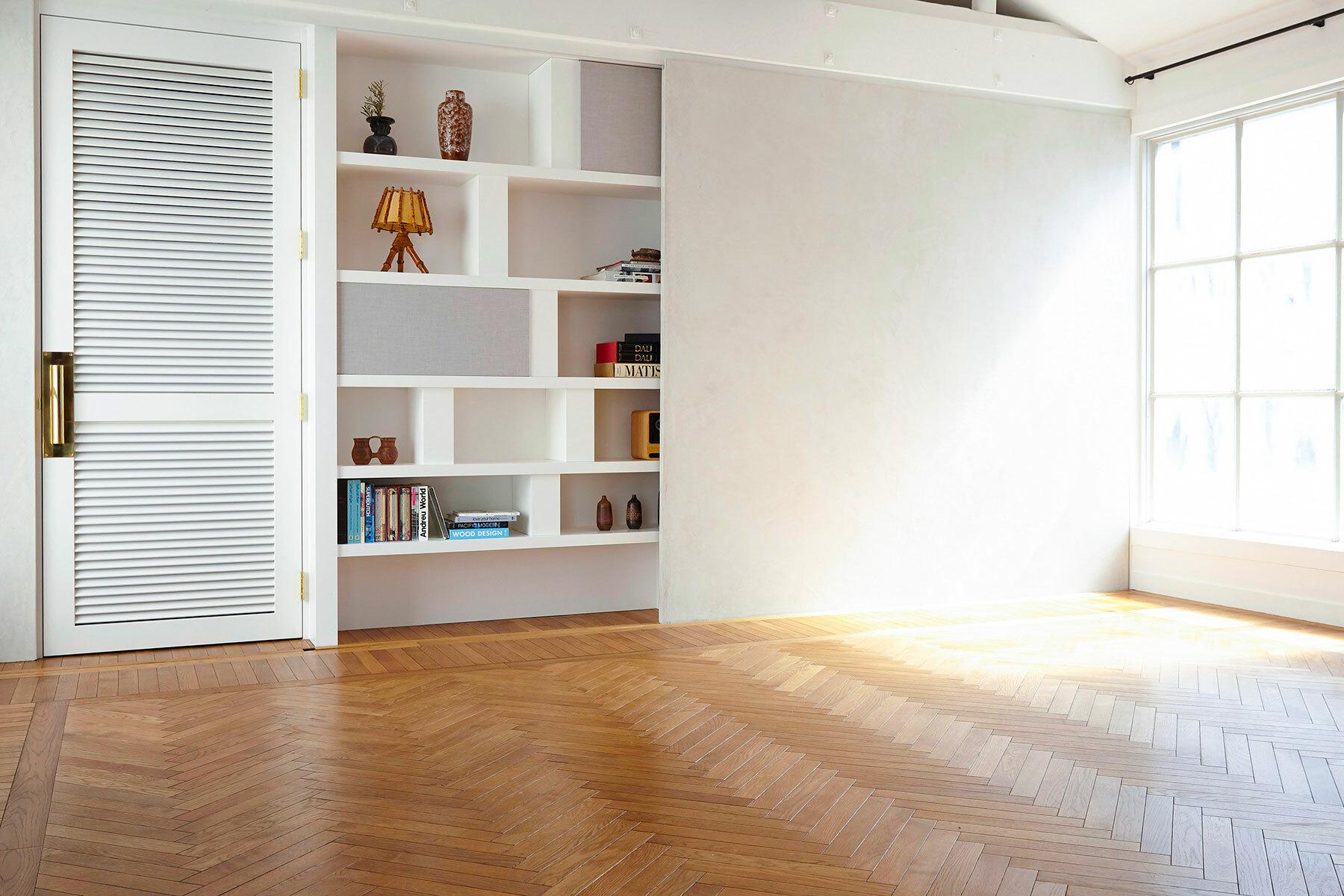 BASE STUDIO HIGASHIYAMA (ベース スタジオ)東側(窓・床)