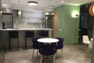 LCI JAPAN STUDIO/青葉台 照明器具ショールーム:内観2 キッチン