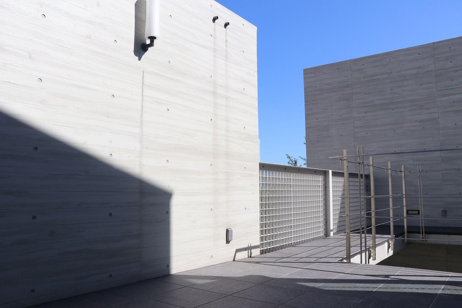 LCI JAPAN STUDIO/青葉台 照明器具ショールーム屋上