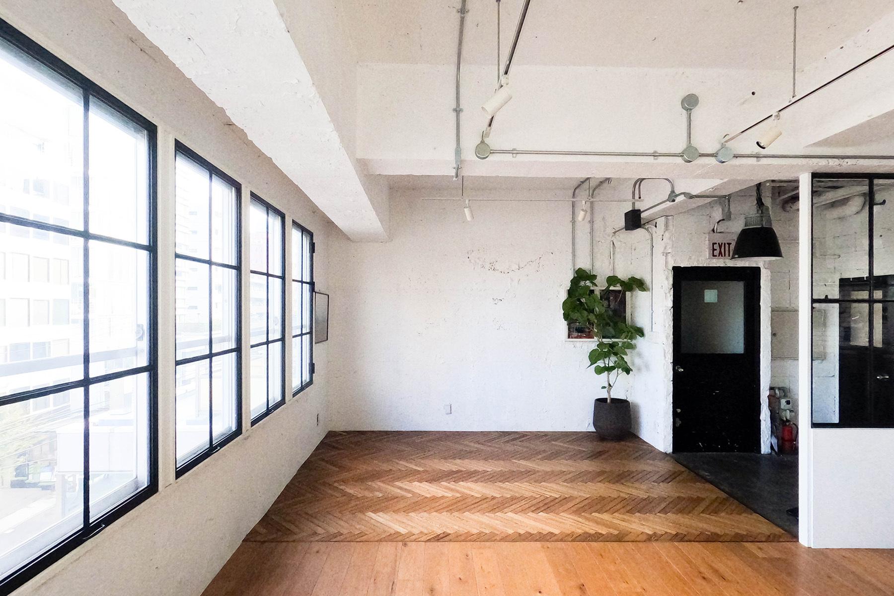 atelier rauque Cstudio (アトリエロークCスタジオ)キッチン前にテーブルを移動