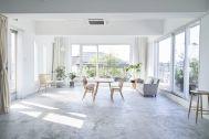 trot YOYOGI UEHARA (トロット):大きな窓から自然光