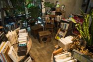 ROUTE COMMON BOOK CAFE  (ルートコモン ブックカフェ):店内