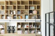 Studio Roaster (スタジオ ロースター):book shelf