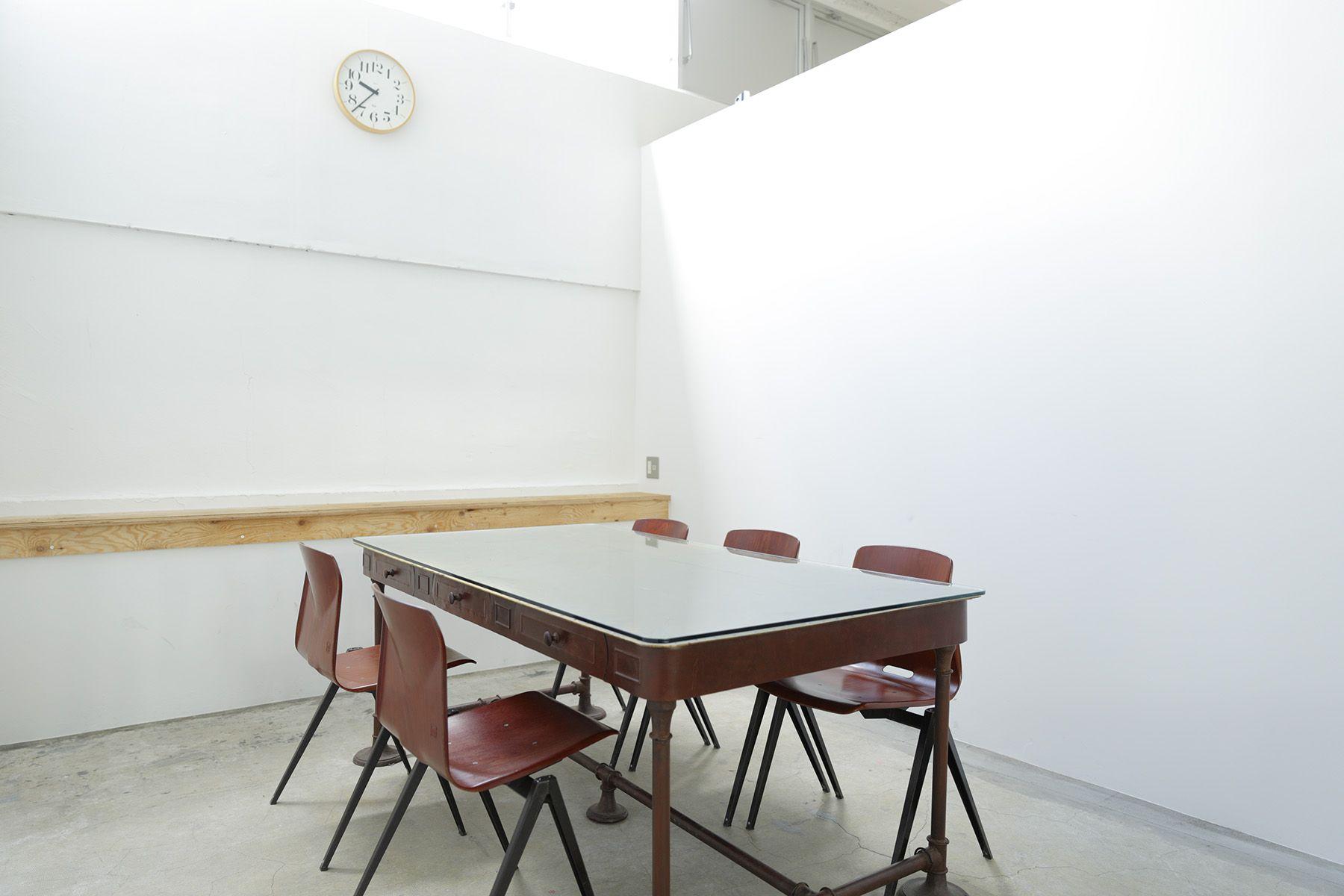 Studio Roaster (スタジオ ロースター)meeting room