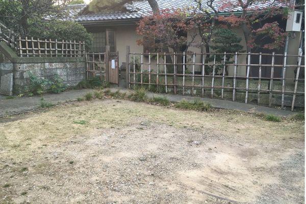 昭和の家(しょうわのいえ)駐車場 乗用車2台