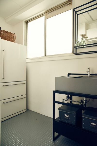 AROUND THE CORNER (アラウンド ザ コーナー)冷蔵庫も完備