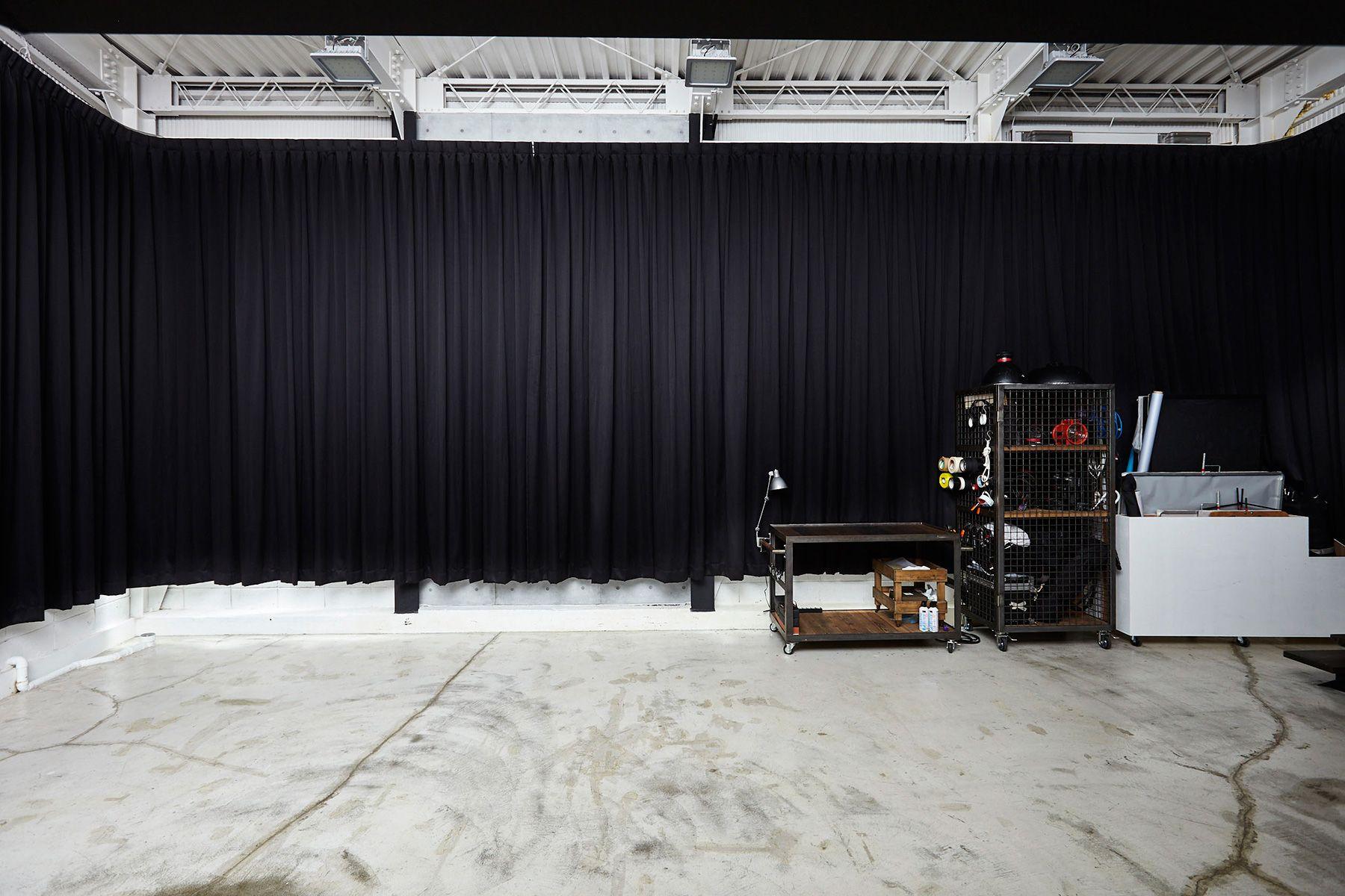 Studio I-AM (スタジオ アイアム)1F 遮光カーテン付き