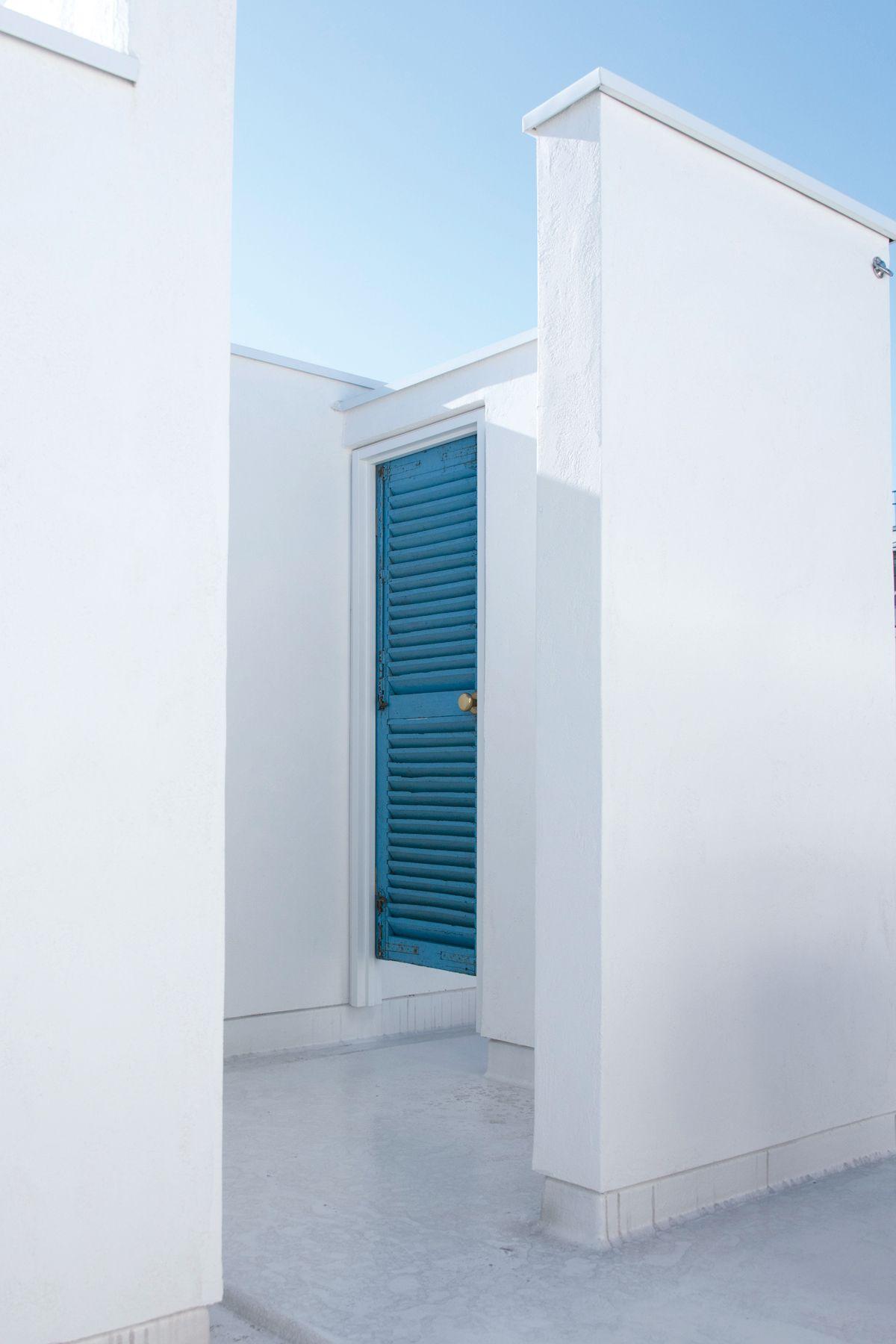 104/個人宅 (イチマルヨン)RF アクセントに青いドア