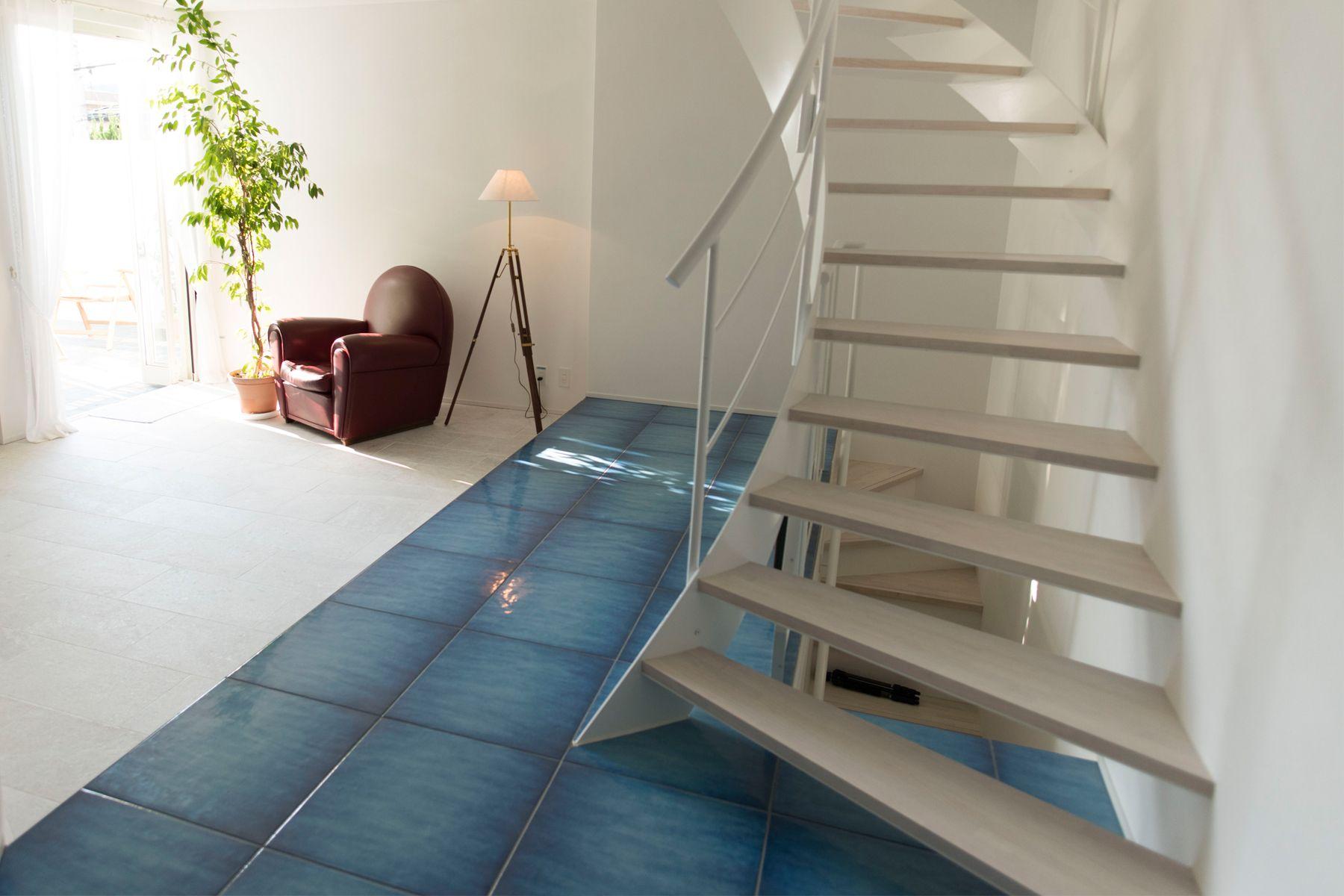 104/個人宅 (イチマルヨン)1F 階段