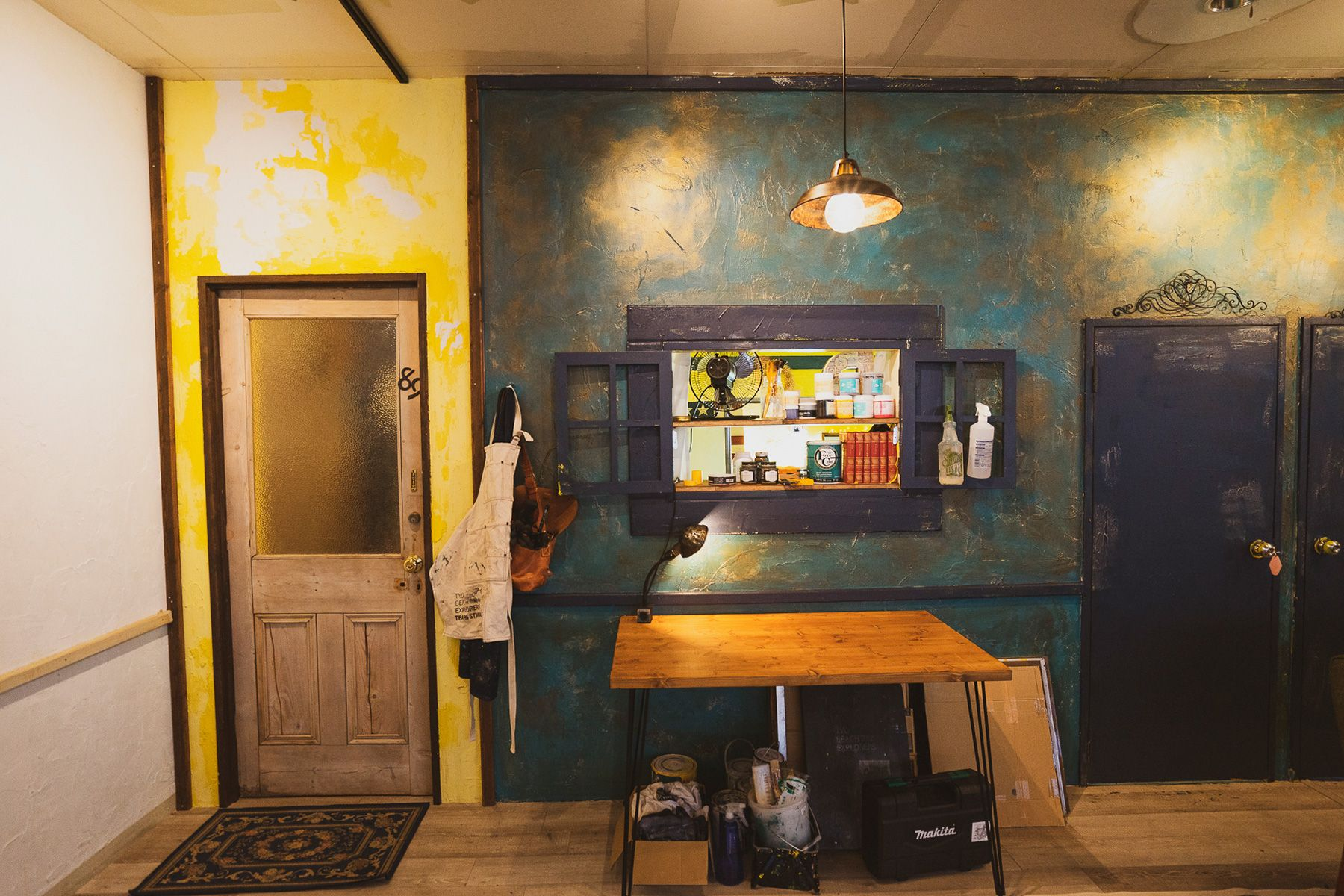 Port of D Studio  (ポートオブDスタジオ)リニューアル ブルーの壁