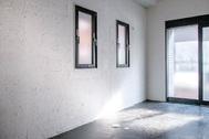 STUDIO SAND 1F(スタジオサンド1F):家具を移動するとシンプルな白壁