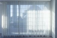 Studio TERRANOVA Dst  キッチン+バルコニー  (スタジオテラノヴァ):ガラスの4枚引き戸 / 南東方角