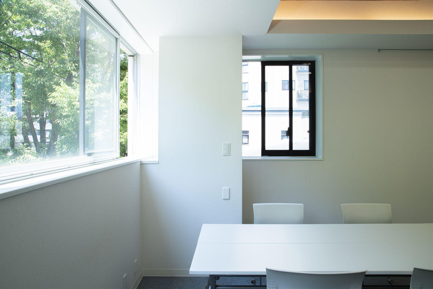 Studio TERRANOVA Dst  キッチン+バルコニー  (スタジオテラノヴァ)ビル前駐車場 最大2台分利用可能