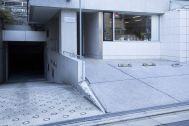Studio TERRANOVA Dst  キッチン+バルコニー  (スタジオテラノヴァ):スタジオビル前駐車場 最大2台分利用