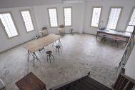 BLANK (ブランク):3階 窓面が大きくとても明るい室内