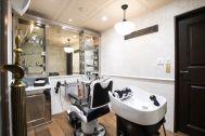 Barber LUDLOW BLUNT (ルドロウ ブラント):シャンプー台のある個室