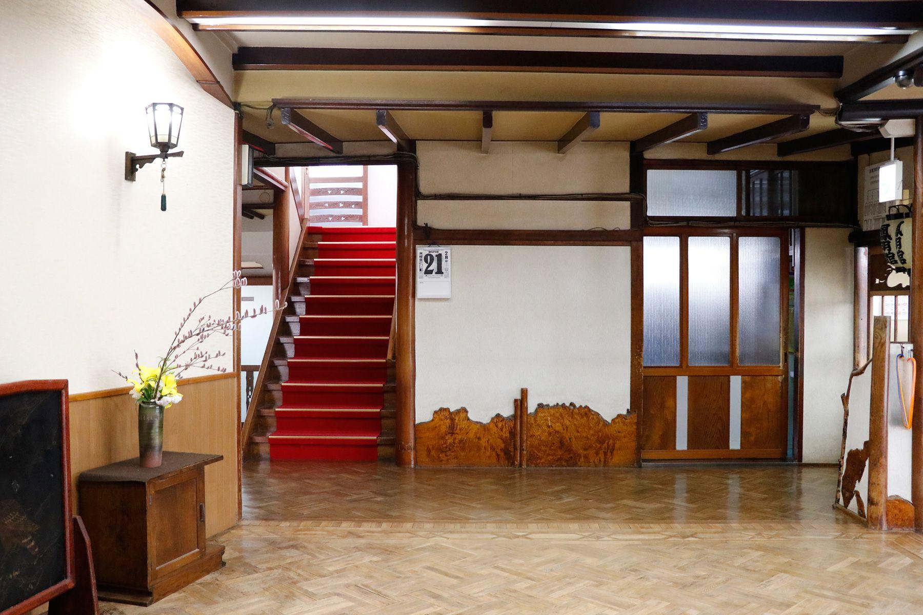 HOMEIKAN 森川別館/旅館 (ホウメイカン)玄関前のフロア