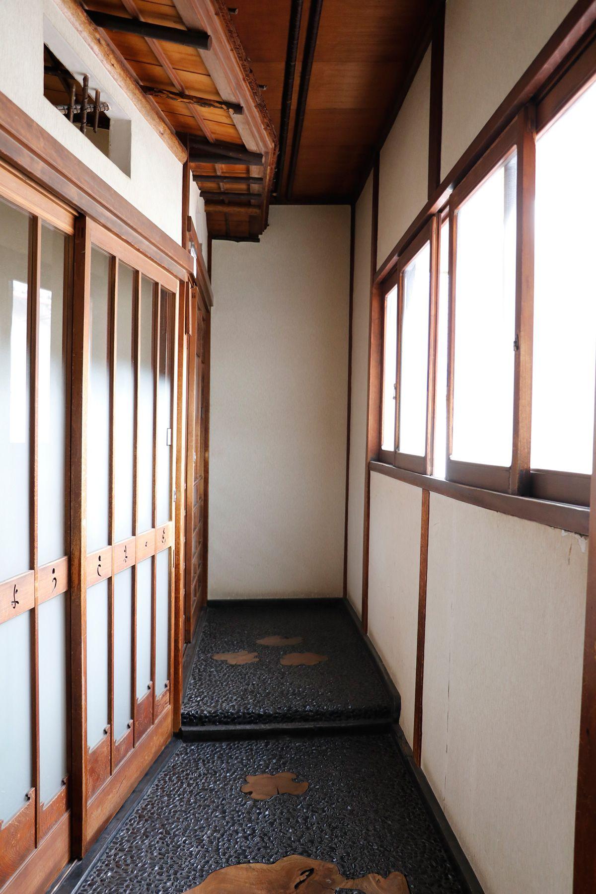 HOMEIKAN 森川別館/旅館 (ホウメイカン)部屋前の廊下