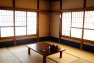 HOMEIKAN 森川別館/旅館 (ホウメイカン):千歳(10畳)窓は南と西2面