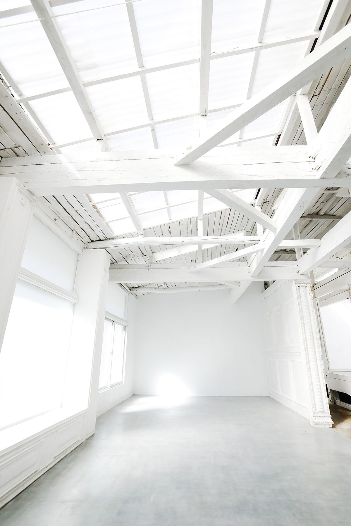 8 EIGHT FLAGS STUDIO (エイトフラッグススタジオ)1F玄関シャッター空き
